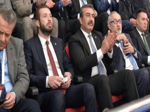 Soner Çetin'e Kurultay Delegeliği Ayıbı
