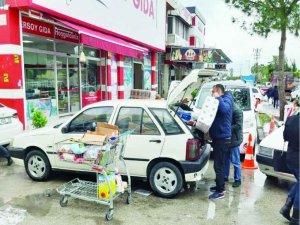 Adana'da vatandaşlar, gıda toptancılarına akın etti