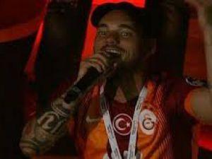Wesley Sneijder Fener Ağlama-Şampiyonluk Kutlamaları 2015